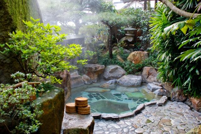 Kumano Kodo outdoor Japanese bath Yunomine Onsen